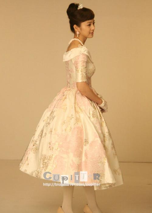 Ngắm trang phục Kim Tae Hee dễ thương trong My Princess - 17