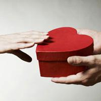 Valentine, tặng quà gì cho người yêu ở xa?
