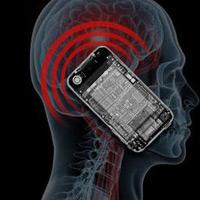 Sóng điện thoại có ảnh hưởng xấu tới não?