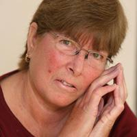 Cụ bà 61 trẻ trung do mắc bệnh xơ cứng bì