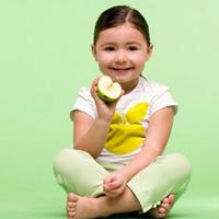 Cách trẻ ăn trái cây có lợi nhất