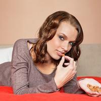 Ăn để làn da không mọc mụn