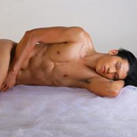 Sốc với ảnh nude 100% của siêu mẫu Ngọc Tình