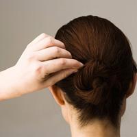 Làm sao để trị tóc bạc sớm?