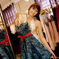 Cùng Huyền Trang VN Next Top Model đi chọn trang phục