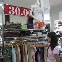 Mua hàng siêu rẻ thời giá cả nổi bão