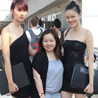 Huyền Trang, Tuyết Lan đi casting ở Singapore