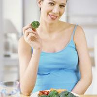 Bà bầu nên ăn gì trong ba tháng giữa của thai kỳ?