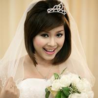 Video: Trang điểm lộng lẫy cho cô dâu