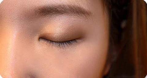 1300447753 trang diem mat to5 Bí quyết trang điểm mắt to tròn như nai tơ