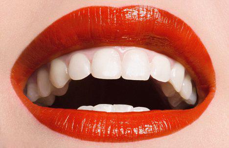 4 phương pháp tẩy trắng răng tự nhiên - 3