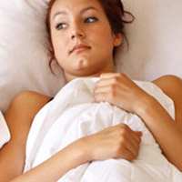 Mang thai ngoài tử cung do chồng thường xuất tinh nông?