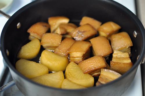 Thịt kho củ cải kiểu Nhật - 4