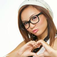 Mẹo trang điểm khi đeo kính
