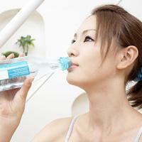 Không uống nước tùy tiện lúc sáng sớm