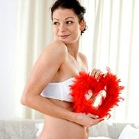 """""""Bí kíp"""" giảm đau ngực khi mang thai"""