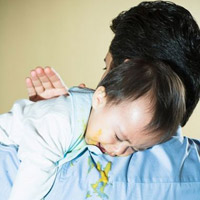 Khắc phục triệu chứng nôn ói cho trẻ