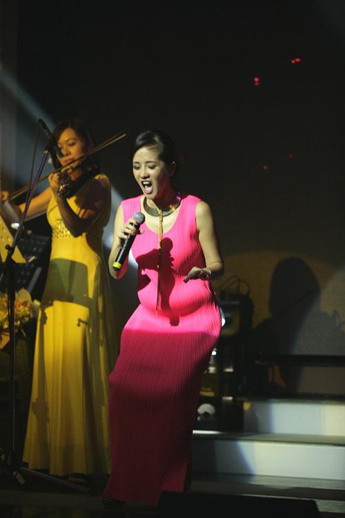 Diva Hồng Nhung đang có bầu? - 4