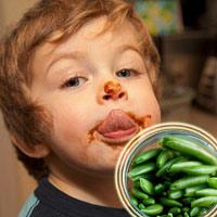 'Độc tố' với trẻ trên bàn ăn