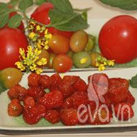 Làm mứt cà chua bi cùng mẹ Khánh Huy