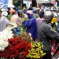 Giá cả thực phẩm chợ Long Biên 24-1