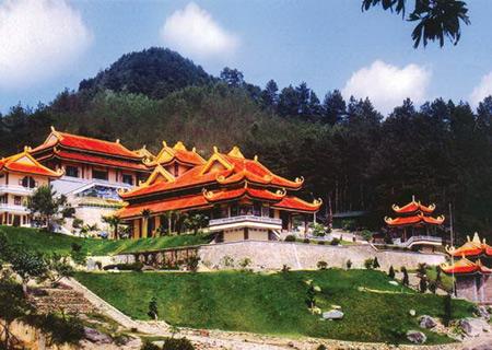 Những ngôi chùa tuyệt đẹp ở Đà Lạt - 2