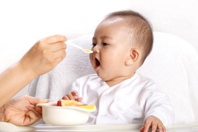 Cách bổ sung dầu ăn cho bé - 1