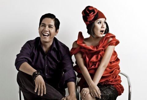 Những cặp vợ chồng đáng mơ ước trong showbiz Việt - 1