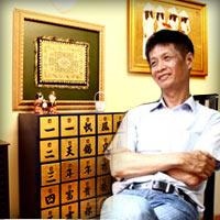 """Video: Vào """"soi"""" nhà đạo diễn Lê Hoàng"""