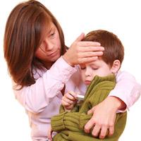 Hạ sốt hiệu quả cho bé theo dân gian