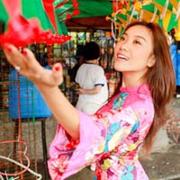 Đoan Trang: 'Tôi không biến dạng chiếc áo dài'