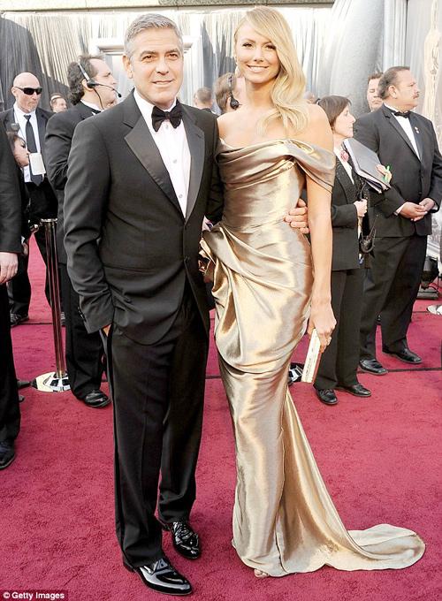 George Clooney quấn quýt bồ tại Oscar 2012 - 1