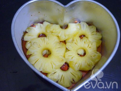 Ngày 8-3, chị em khéo tay làm bánh caramen dứa - 3