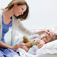 Làm gì khi bé bị sốt do nhiễm virus?