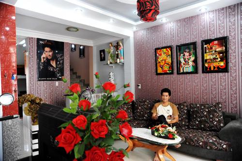 Soi tận... giường nhà ca sĩ Phi Hùng - 1