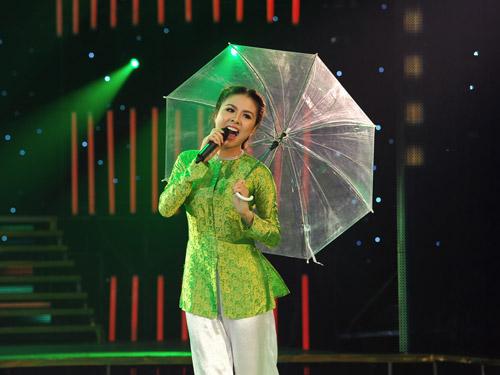 """""""Cô Thắm"""" Vân Trang khiến khán giả thích thú - 1"""