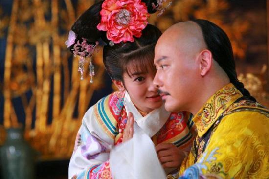 Nhà chàng đẹp trai đóng vai vua Càn Long - 1