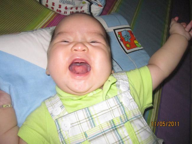 Từ khi được Mẹ sinh ra (20/07/2011) Anh Pi đã gọi Em là Gấu yêu!
