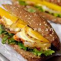 Bếp Eva - Sandwich kẹp thịt gà và xoài chín