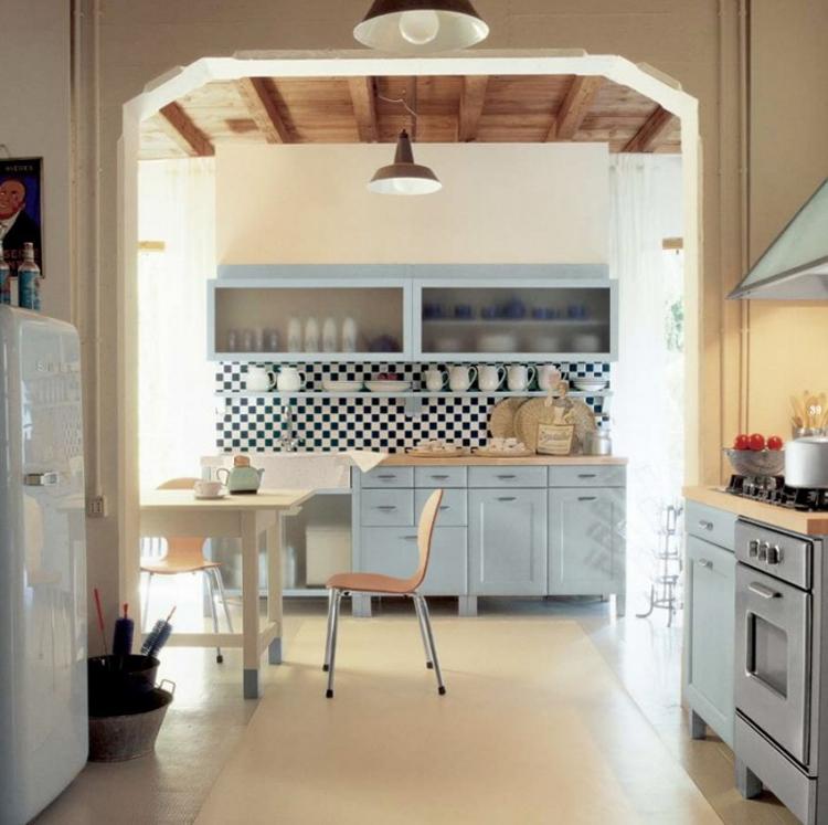 Căn bếp - phòng ăn luôn là nơi giữ lửa trong gia đình, nơi mọi người sum họp trong những bữa cơm. Vì vậy nó là một nơi hết sức quan trọng trong mỗi nhà.