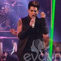 """Làng sao - Adam Lambert """"cháy"""" cùng khán giả Việt"""