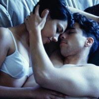 Lần đầu quan hệ: Đớn đau hay sung sướng?