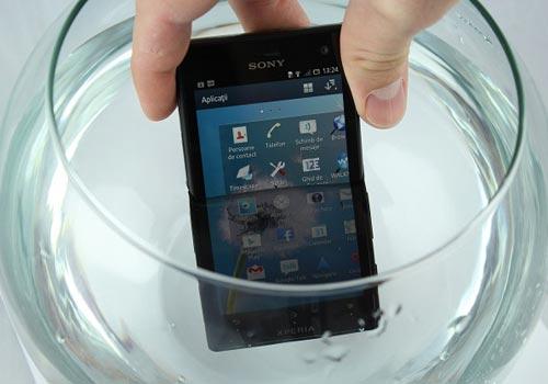 5 smartphone chong nuoc xuat sac tai viet nam - 3