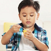 Bí kíp cho trẻ ăn váng sữa đúng