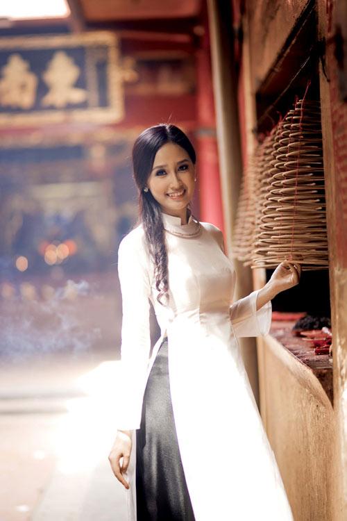 10 my nhan mac ao dai dep nhat showbiz - 3