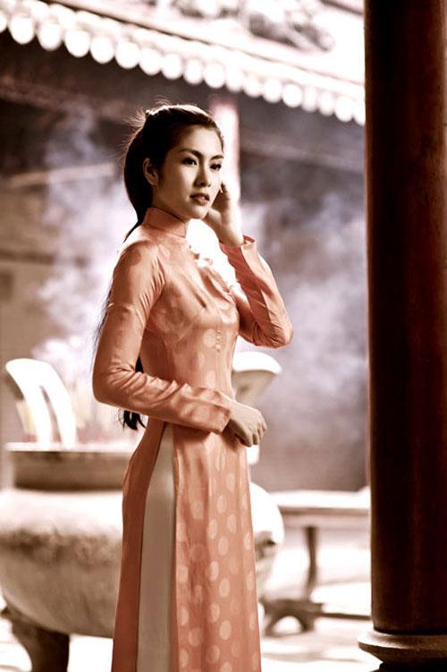 10 mỹ nhân mặc áo dài đẹp nhất showbiz-4