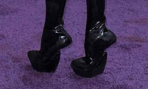 10 kiểu giày kỳ quái trong lịch sử thời trang-9