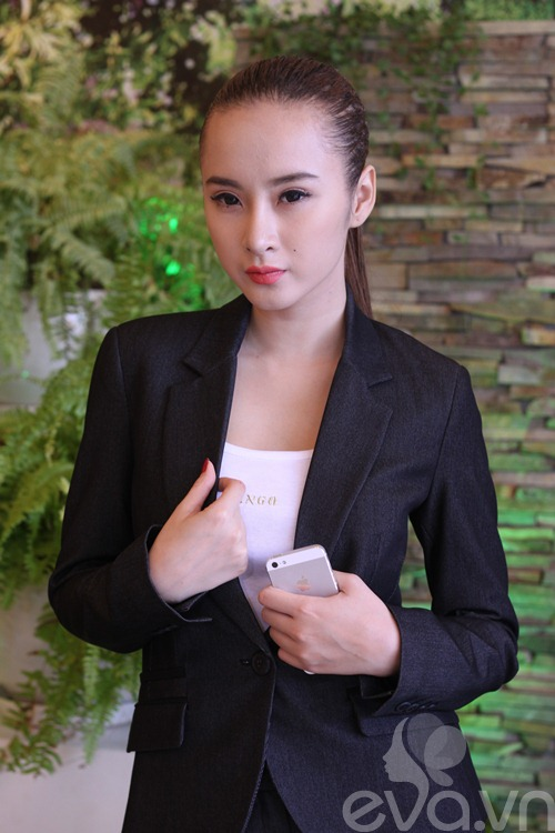 angela phuong trinh khoe mui moi thon gon - 6