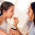 Làm mẹ - Lỗi chết người khi cho trẻ uống thuốc