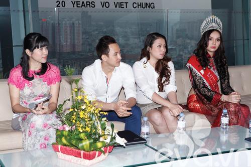 ly nha ky lam dai su ao dai vo viet chung - 2